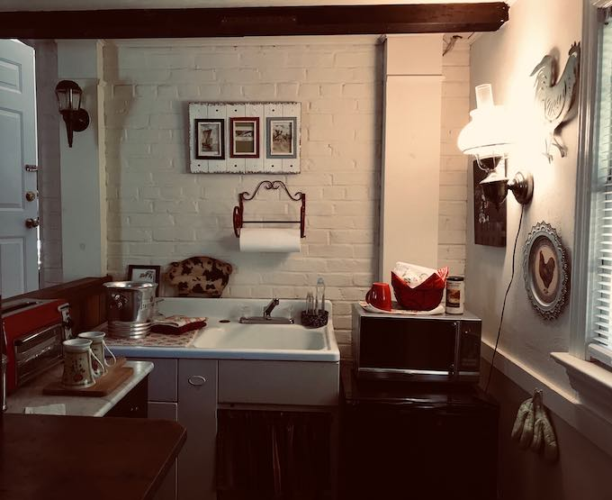 BaseCamp Apartment, Kitchen